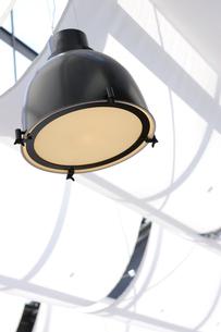 天井とライトの写真素材 [FYI03955751]