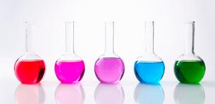 カラフルな色水の写真素材 [FYI03955829]
