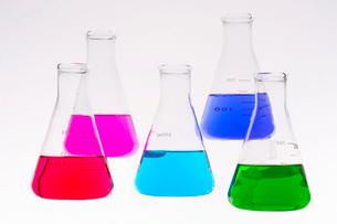 カラフルな色水の写真素材 [FYI03955881]