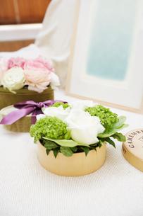ボックスに入った花々の写真素材 [FYI03956177]