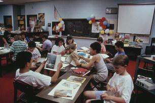 ロックウェル小学校 世界地理授業の写真素材 [FYI03956261]