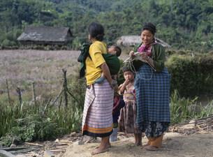 アディギャロン族 タチ村の写真素材 [FYI03957242]