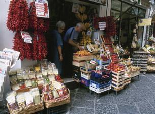 食料品店の写真素材 [FYI03957333]