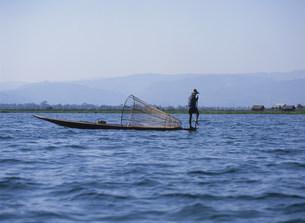 インダー族の漁師の写真素材 [FYI03957462]