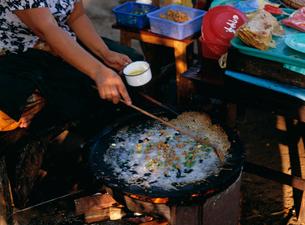 ミャンマー風クレープの写真素材 [FYI03957478]