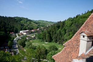 ブラン城からのトランシルヴァニア地方の風景眺望の写真素材 [FYI03957790]