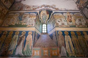 アルボーレ修道院内部のフレスコ画の写真素材 [FYI03957838]