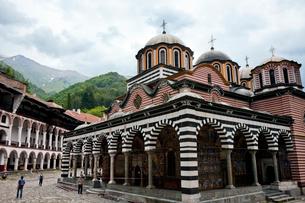 リラの僧院 聖母誕生教会の写真素材 [FYI03957905]