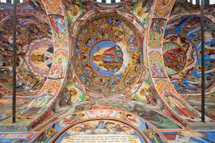 リラの僧院のフレスコ画 聖母誕生教会の写真素材 [FYI03957906]