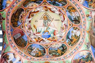 リラの僧院のフレスコ画 聖母誕生教会の写真素材 [FYI03957909]