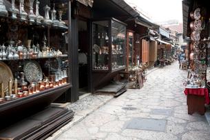 カザンドゥルク 銅細工の店の写真素材 [FYI03958043]