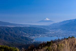 諏訪湖と富士山の写真素材 [FYI03958598]