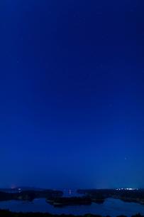 英虞湾と星空の写真素材 [FYI03958963]