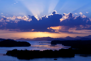英虞湾と光芒の写真素材 [FYI03958989]