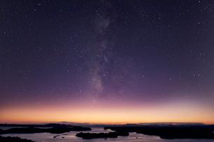 英虞湾と星空の写真素材 [FYI03958997]