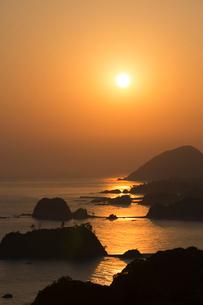 丹後松島 朝日の写真素材 [FYI03959666]