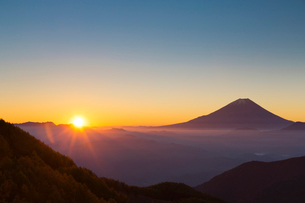 富士山と雲海の写真素材 [FYI03959783]