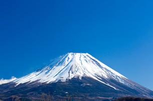 富士山 本栖湖の写真素材 [FYI03959857]