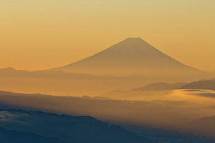 高ボッチからの富士山の写真素材 [FYI03960136]