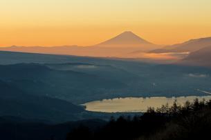 高ボッチからの富士山の写真素材 [FYI03960137]