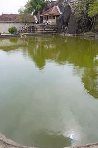 イスルムニヤ精舎 沐浴場の写真素材 [FYI03960146]