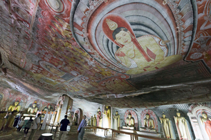 ダンブッラ石窟寺院 第2窟 の写真素材 [FYI03960166]