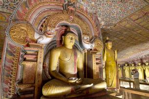 ダンブッラ石窟寺院 第3窟 の写真素材 [FYI03960167]