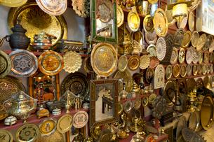 銅製品 土産物店の写真素材 [FYI03960544]