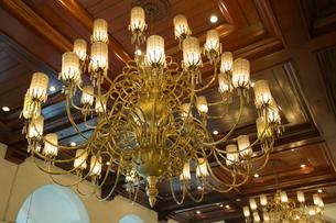 マニラホテル シャンデリアの写真素材 [FYI03960714]