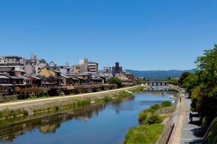 鴨川 四条大橋上流の写真素材 [FYI03960921]