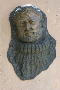 ヘミングウェイ 彫像の写真素材 [FYI03961022]