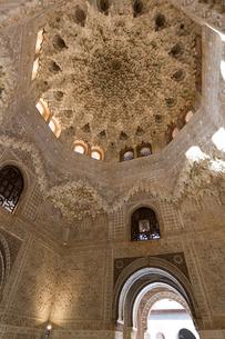 アルハンブラ宮殿 二人姉妹の間の写真素材 [FYI03961049]