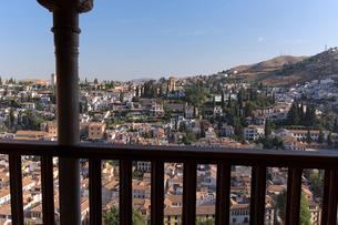 アルハンブラ宮殿からの町並の写真素材 [FYI03961051]