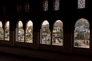 アルハンブラ宮殿からの町並の写真素材 [FYI03961052]