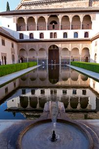 アルハンブラ宮殿 アラヤネスの中庭の写真素材 [FYI03961098]