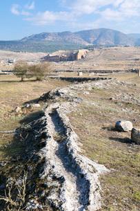 ヒエラポリス遺跡 温泉水路の写真素材 [FYI03961155]