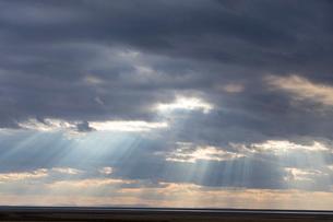 トゥズ湖 光芒の写真素材 [FYI03961201]