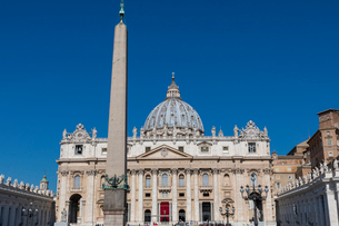 サン・ピエトロ大聖堂の写真素材 [FYI03961481]