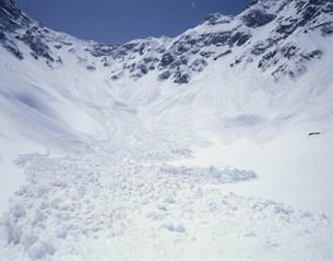 雪崩 涸沢の写真素材 [FYI03961870]