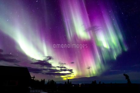 アラスカ フェアバンクスのオーロラの写真素材 [FYI03967561]
