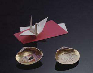 折鶴と貝合せの写真素材 [FYI03972371]