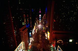 新年のカウントダウン12月31日 タイムズスクウェアの写真素材 [FYI03973082]