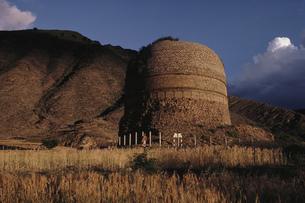 スワート地方の仏塔の写真素材 [FYI03974319]