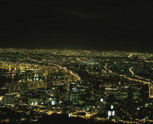 ケープタウンの街並み 夜景の写真素材 [FYI03974724]