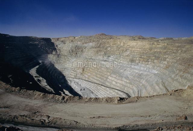 銅の露天掘り チュキカマタ銅山の写真素材 [FYI03975046]