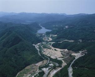 胆沢ダムと石淵ダムの写真素材 [FYI03978043]