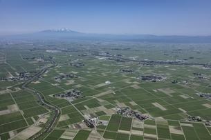 庄内平野と鳥海山の写真素材 [FYI03978253]