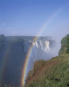 ビクトリア滝と虹の写真素材 [FYI03978496]