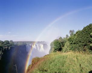 ビクトリア滝と虹の写真素材 [FYI03978498]