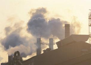 公害 川崎市の工場の煙突の写真素材 [FYI03980853]